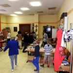 Büchermarkt und Kuchenbuffet